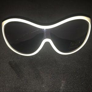 White sunglasses DC